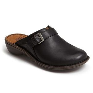 "UGG AUSTRALIA ""LIVIA"" Black Leather Clogs Mules"